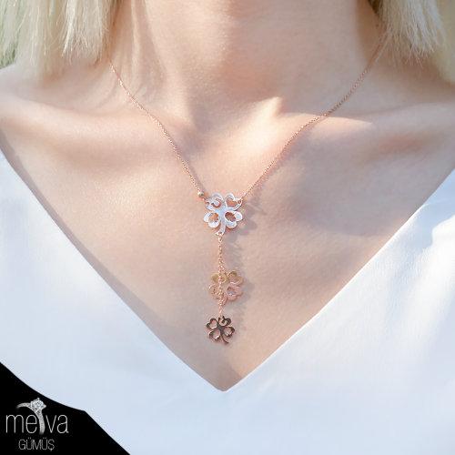 şans-figürlü-dört-yapraklı-yonca-desenli-kadın-kolye-1