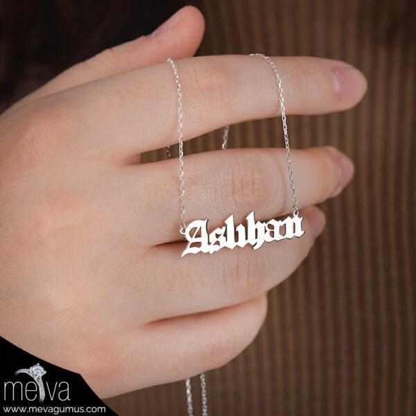 airai-model-kadin-isim-gumus-kolye-1